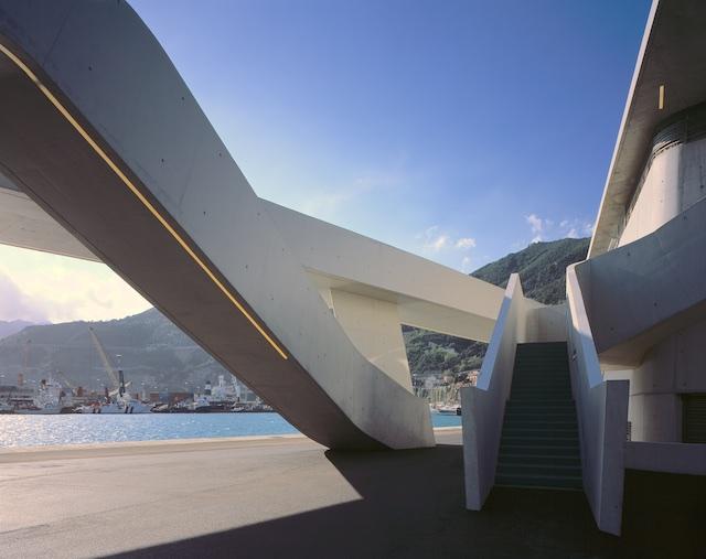 Salerno terminal by Zaha Hadid ©Hélène Binet