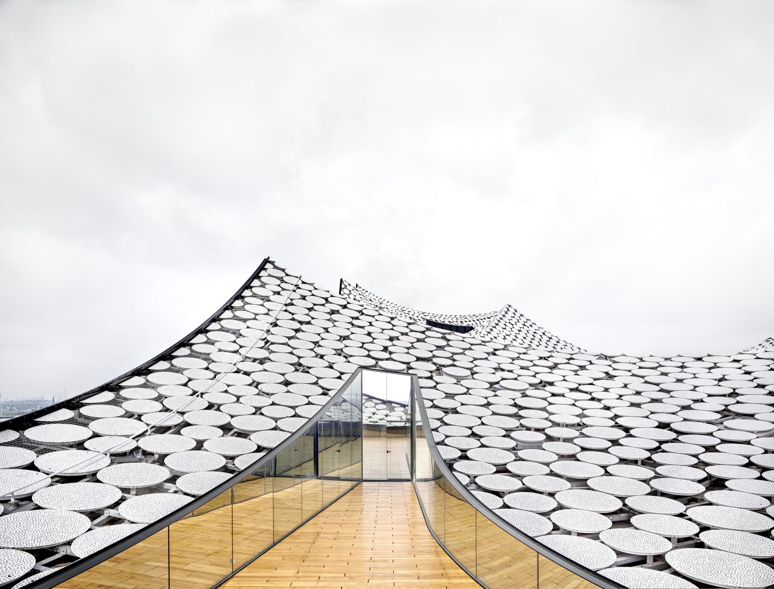 Elbphilharmonie Hamburg Herzog & de Meuron Hamburg 2016, © Candida Höfer / VG Bild Kunst, Bonn, 2016