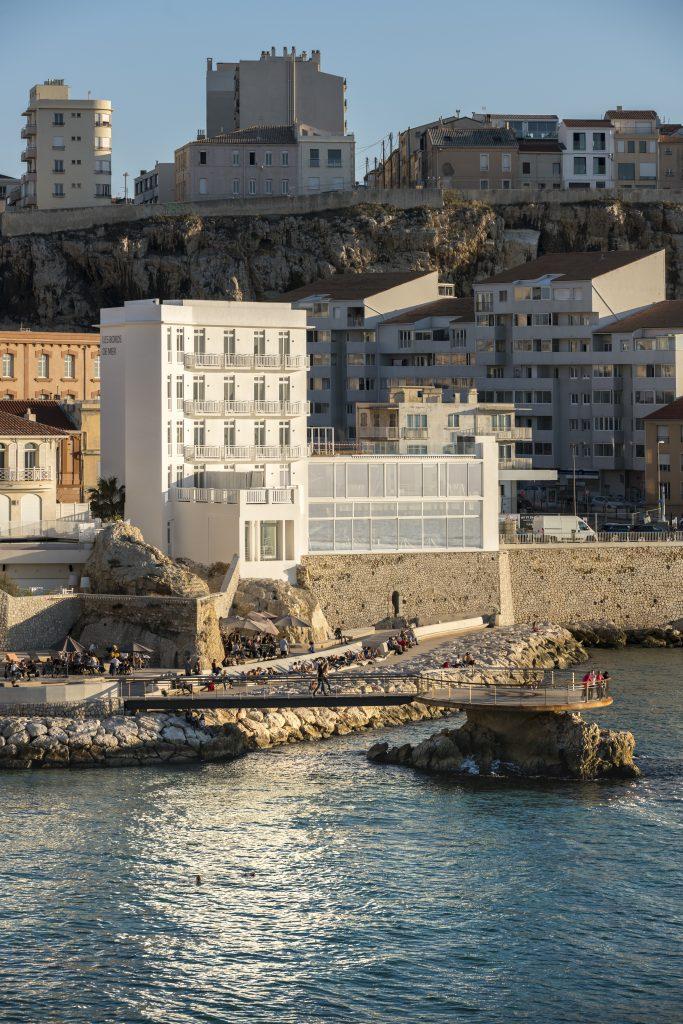 Hôtel BORDS DE MER par Atelier d'Architecture Yvann Pluskwa